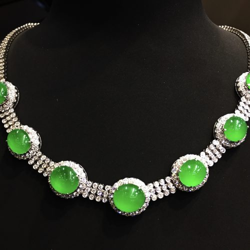 Highly translucent vibrant green cabochon jadeite necklace
